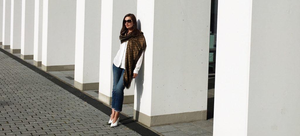 Louis Vuitton Monogram Shine Tuch